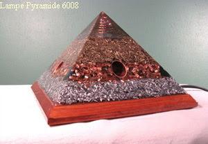 Lampe pyramide orgonite $ 152.00