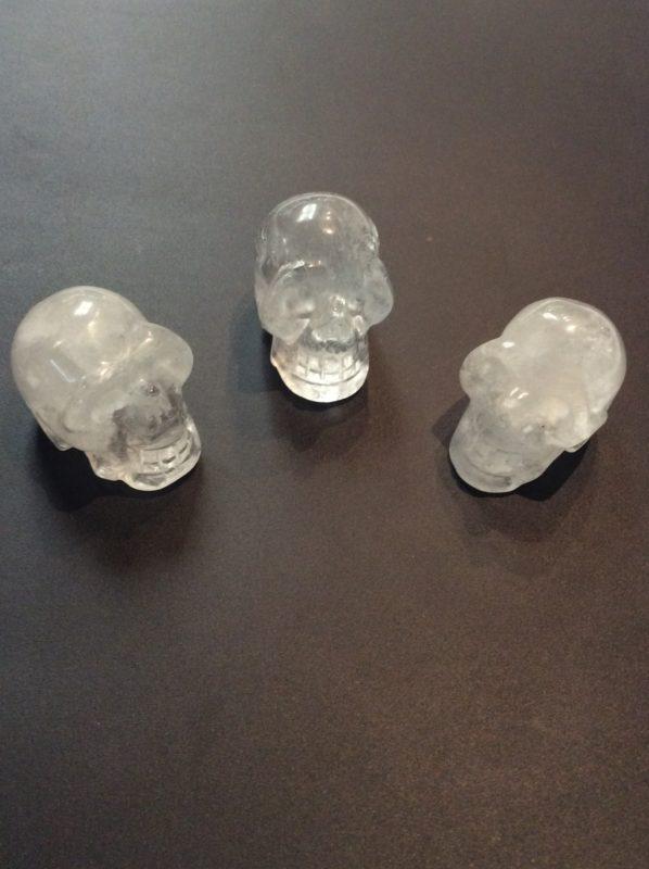 Petit crane de cristal de quartz 1.5 pouces $ 20.00 chacun